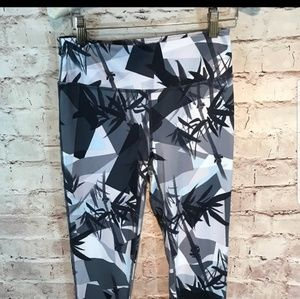 Pants - Sweaty Betty cropped leggings XS